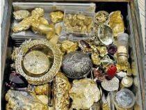 В США мужчина спрятал сундук с сокровищами. Спустя десять лет его нашли. В смысле сундук