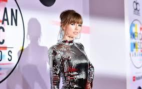 Тейлор Свифт побила рекорд Уитни Хьюстон по длительности треков на первом месте