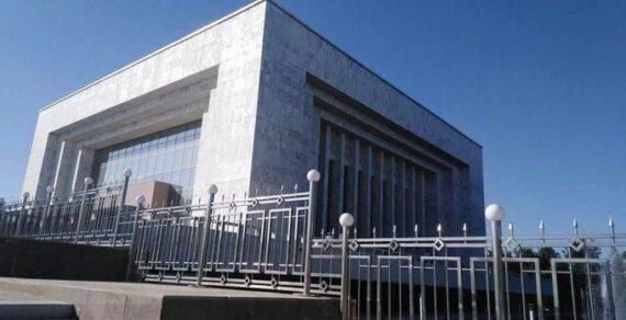 Ограждение у Исторического музея установлено для безопасности граждан