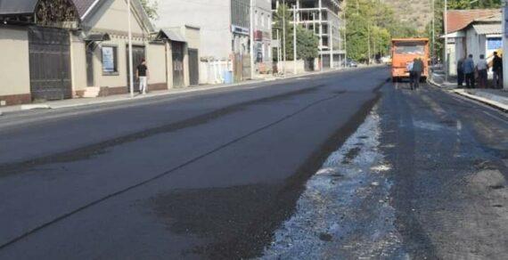 Работы по расширению центральной улицы Джалал-Абада будут завершены к ноябрю
