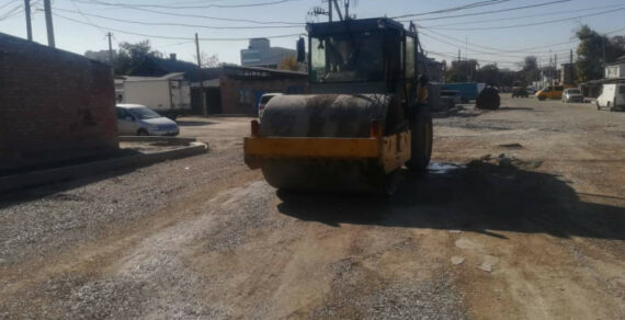 В Бишкеке ведется строительство тротуаров и велодорожек