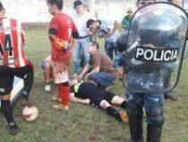 Футболиста до смерти избили одноклубники за ошибку на поле