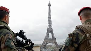 Режим ЧП вводят во Франции