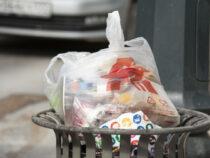 В Канаде до конца 2021 года запретят использовать одноразовый пластик