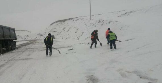 На перевале Долон выпал снег