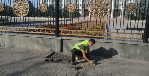 Муниципальные службы Бишкека продолжают наводить в столице порядок
