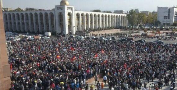 190 милиционеров пострадали в Бишкеке в ходе ночных беспорядков