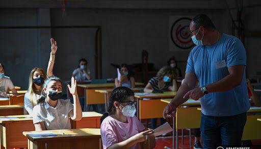 Когда возобновится учеба в школах, рассказали в минообразования