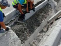 На двух улицах в Бишкеке идут работы по устранению дефектов