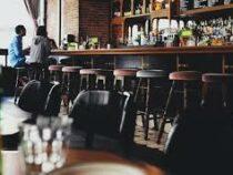 В Лондоне запретят выпивать в пабах и ресторанах после еды