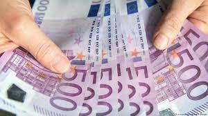 Власти Германии выделят работникам театров по 5 тысяч евро