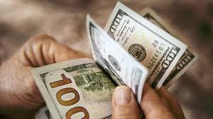 Аналитики предрекли значительное падение курса доллара из-за вакцины от ковида