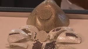 Ювелиры создали защитную маску стоимостью 1,5 млн долларов