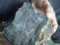 Гробовщик стал миллионером после падения метеорита на его дом