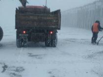 Минтранс продолжает очистку перевалов от снега