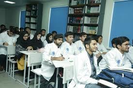 Пакистан вывел четыре медицинских вуза КР из черного списка