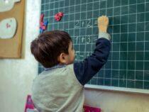 Ученики вБишкеке могут вернуться вшколы после Нового года