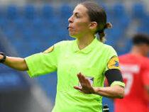Впервые в истории Лиги чемпионов матч обслужит арбитр-женщина