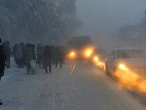 Бишкекских водителей предупредили о снегопаде и гололедице сегодня