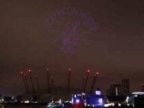300 дронов устроили шоу в небе над Лондоном