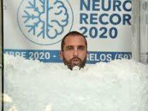Француз побил мировой рекорд по пребыванию в емкости со льдом