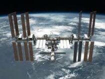 Космонавты на МКС готовятся отмечать рождество
