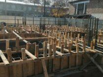 В Бишкеке продолжается строительство пристроек 7 школ