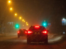 В Японии из-за сильного снегопада машины простояли 52 часа в пробке