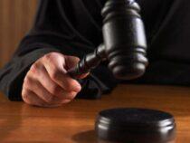 Американец выиграл суд против своих родителей, которые выкинули его порножурналы