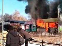 В Таласе в точке общепита произошел взрыв. Пострадали 11 человек
