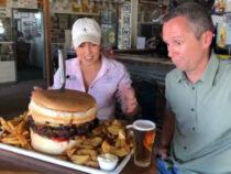 Смельчак, который в одиночку съест монструозный бургер, получит бочонок пива