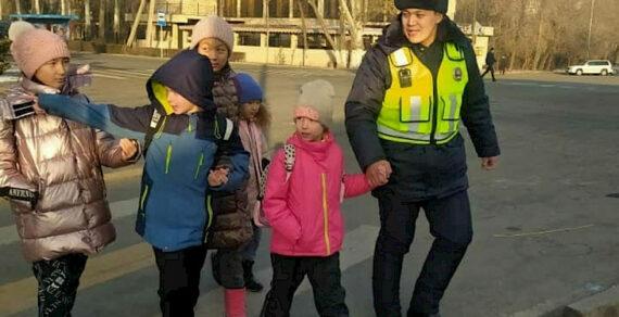 ГУОБДД возобновило занятия со школьниками по дорожной безопасности
