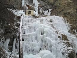 В Крыму замёрз водопад Учан-Су, самый высокий водопад на полуострове