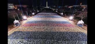 В Вашингтоне перед инаугурацией Байдена из американских флагов случайно сложили российский триколор