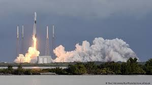 Falcon 9 вывела на орбиту рекордное число спутников