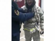 При −52 градуса. В Сети всех поразило видео якутских пожарных