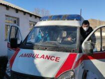Медучреждениям Жумгальского района передали машины скорой помощи