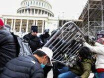 Кыргызстанцев в США призывают избегать мест массового скопления людей