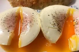 Женщина раскрыла беспроигрышный способ приготовления яиц