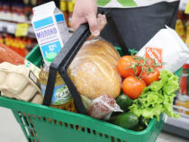 Нацстатком оценил изменение цен в январе. И нашел подешевевшие продукты