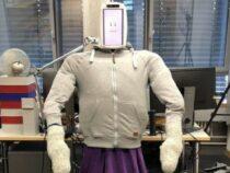Создан робот, который греет и обнимает