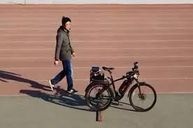 В Китае создали велосипед с автопилотом
