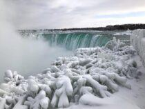 Из-за сильных морозов в США замерз Ниагарский водопад