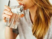 Врач-эндокринолог посоветовала запивать стресс
