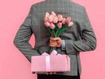 Психолог назвала худшие подарки женщинам на8Марта