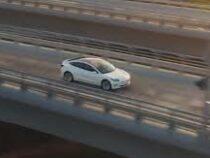 Авто Tesla запретили использовать как обогреватель для дома