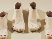 Дизайнеры создали обувь с пальцами и педикюром