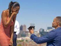 Американец сделал девушке предложение сразу с пятью кольцами