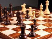 Американец установил рекорд Гиннесса за самую быструю расстановку шахмат