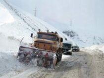 Наперевалах Тоо-Ашуу иАла-Бель идет снег